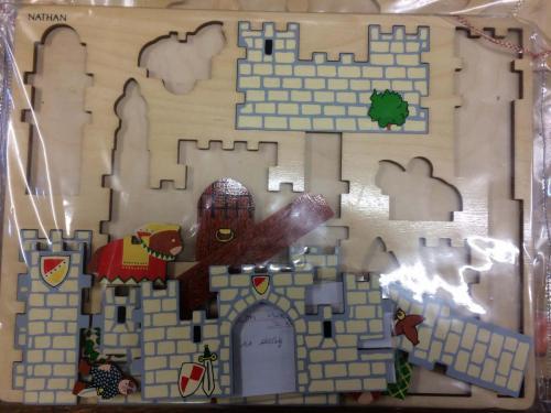 P43 - Houten puzzel kasteel